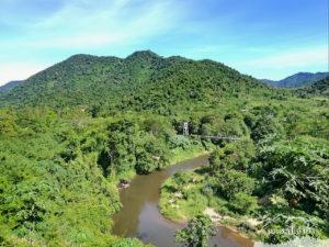 ข้างล่างนั่นแหละ วิวสะพานหมู่บ้าน ต้นแม่น้ำเพชรบุรี โป่งลึก อช แก่งกระจาน เพชรบุรี