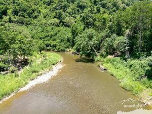 วิวแม่น้ำบนสะพาน โป่งลึก อช แก่งกระจาน เพชรบุรี